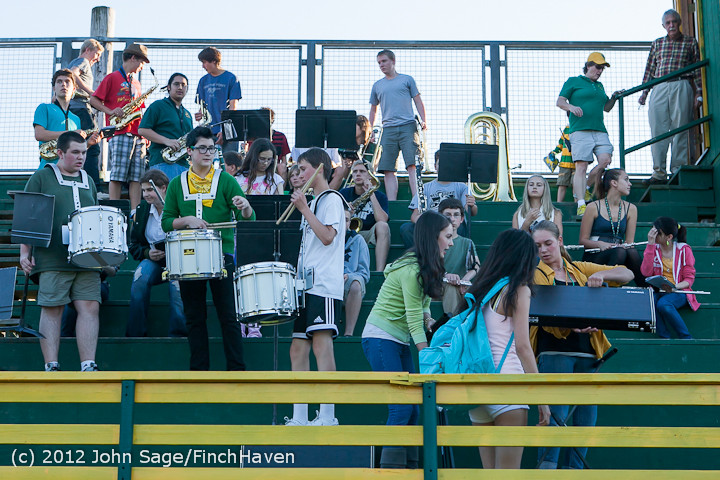 0018_Band-Cheer-Crowd_Football_v_Belle-Chr_090712