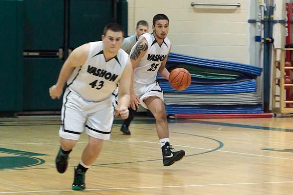 7794_Boys_Varsity_Basketball_v_AubAdvent_121410