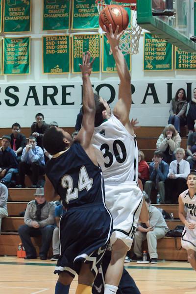 8246_Boys_Varsity_Basketball_v_AubAdvent_121410