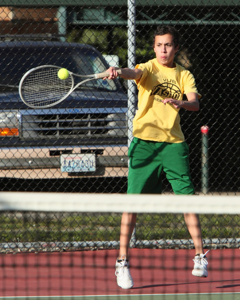 6503_Boys_Tennis_v_Chas-Wright_101110