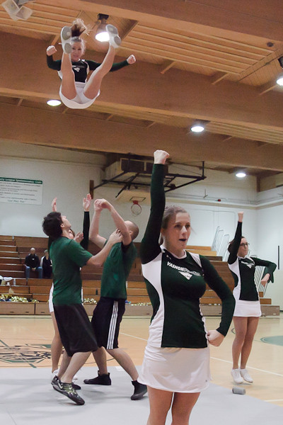 6780_Cheer_and_Crowd_at_BBall_v_Port_Townsend_120410
