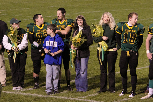 0257_VHS_Cheer-Football_Seniors_Night_2010