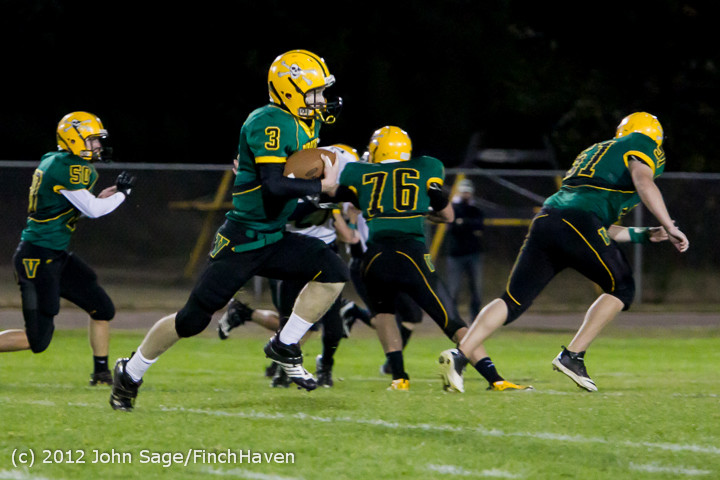 1631_Football_v_Pemberton_101212