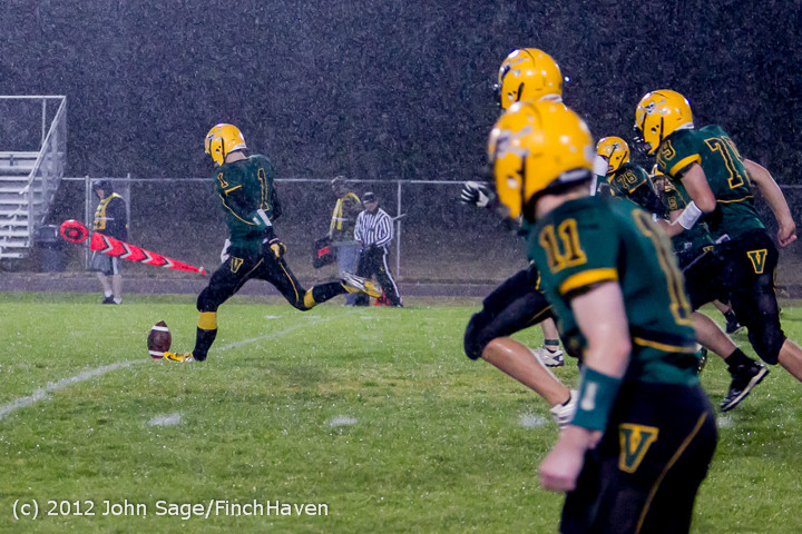 2772_Football_v_Pemberton_101212