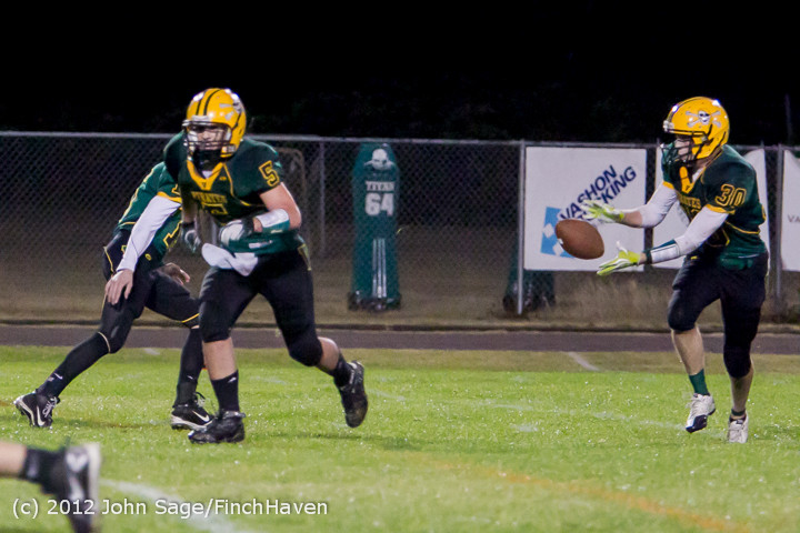 3283_Football_v_Pemberton_101212
