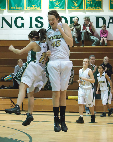 3022_Girls_Varsity_Basketball_v_NWChr_122010