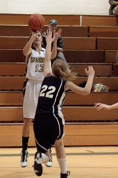 3708_Girls_Varsity_Basketball_v_NWChr_122010
