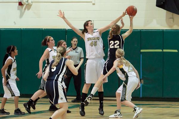 4106_Girls_Varsity_Basketball_v_NWChr_122010