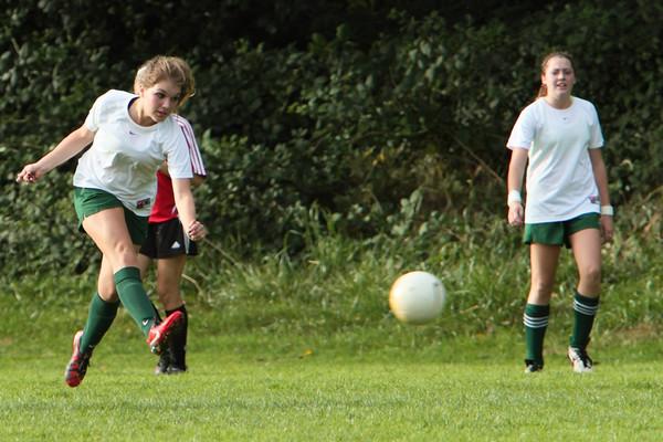 8064_Girls_JV_Soccer_v_Orting_092710