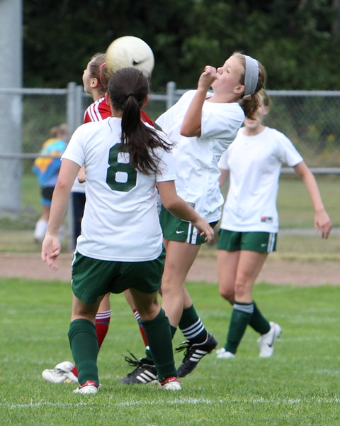 4150_Girls_Soccer_v_Sea-Chr_090910