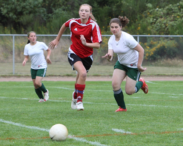 4171 Girls Soccer v Sea-Chr 090910