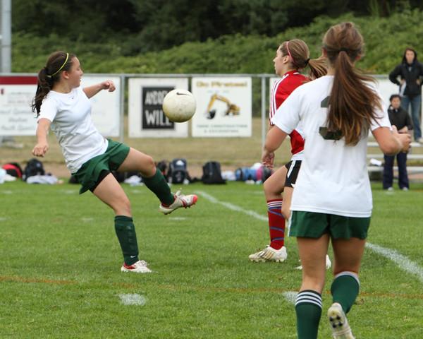 4609 Girls Soccer v Sea-Chr 090910