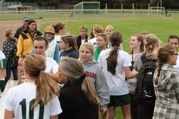4957_Girls_Soccer_v_Sea-Chr_090910