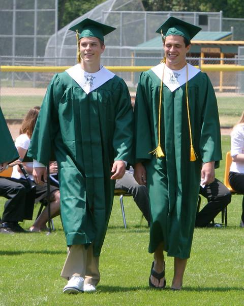 5996_VHS_Graduation_2009