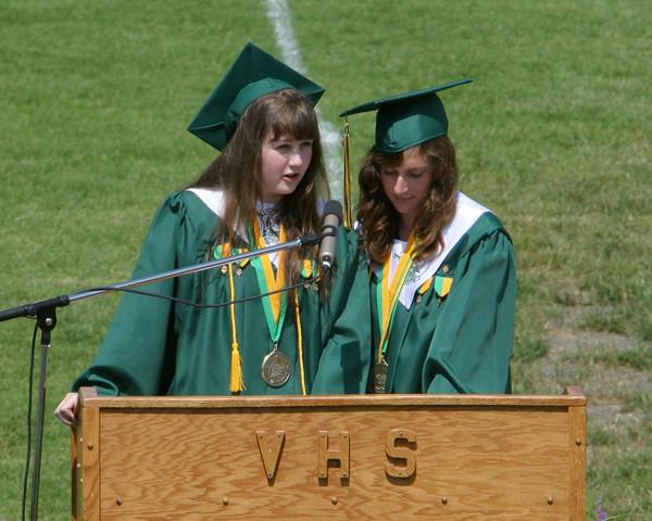 6175_VHS_Graduation_2009