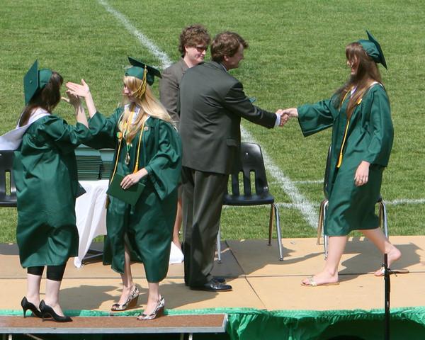 6420_VHS_Graduation_2009