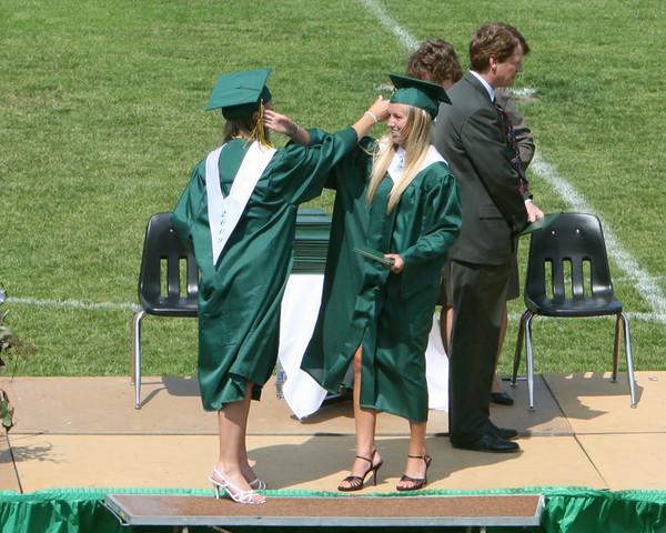 6437_VHS_Graduation_2009
