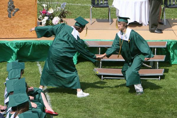 6514_VHS_Graduation_2009