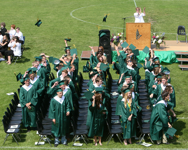 6579_VHS_Graduation_2009