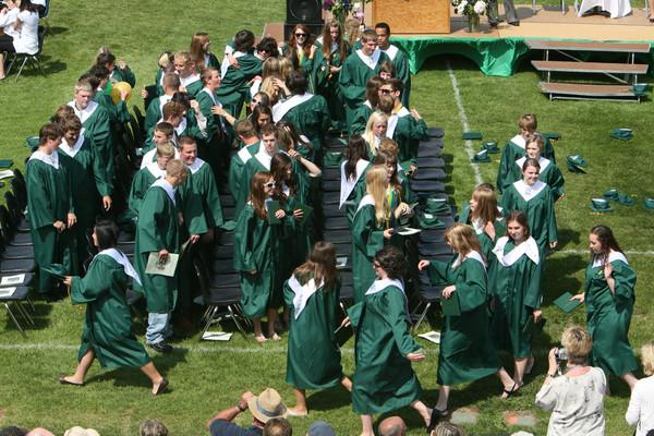 6590_VHS_Graduation_2009