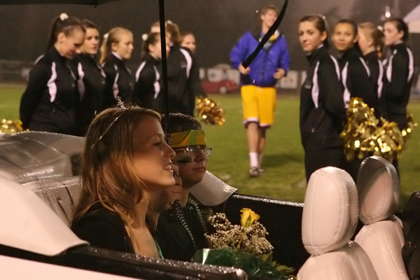 5461_VHS_Homecoming_2009