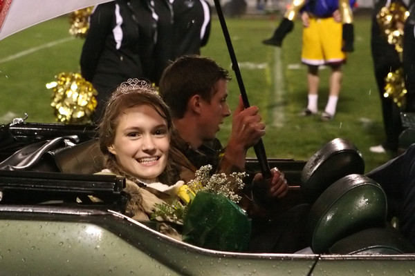 5468_VHS_Homecoming_2009