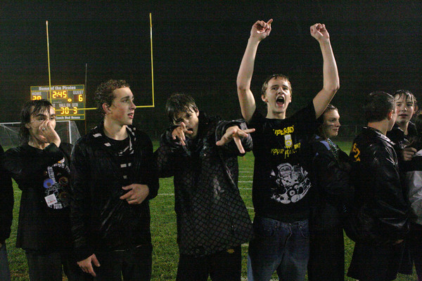 5629_VHS_Homecoming_2009