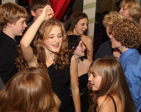 1897_VHS_Homecoming_Dance_2010_Candids