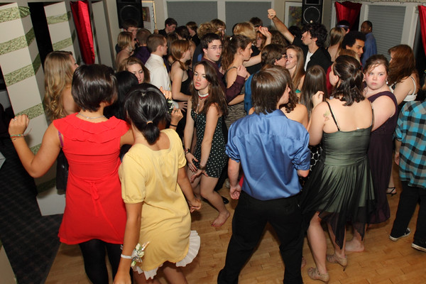 1916_VHS_Homecoming_Dance_2010_Candids