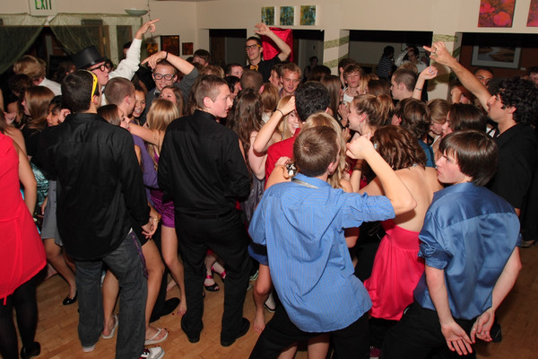 2036_VHS_Homecoming_Dance_2010_Candids