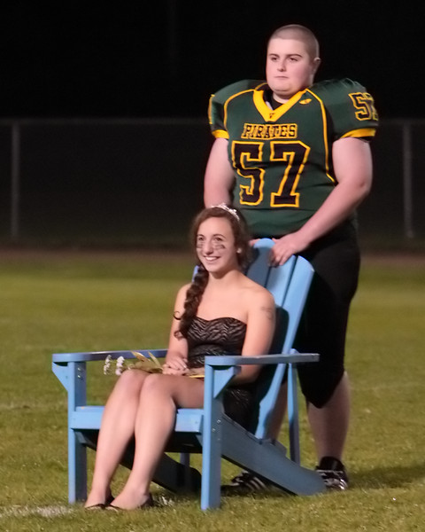 5879_VHS_Homecoming_Court_2010