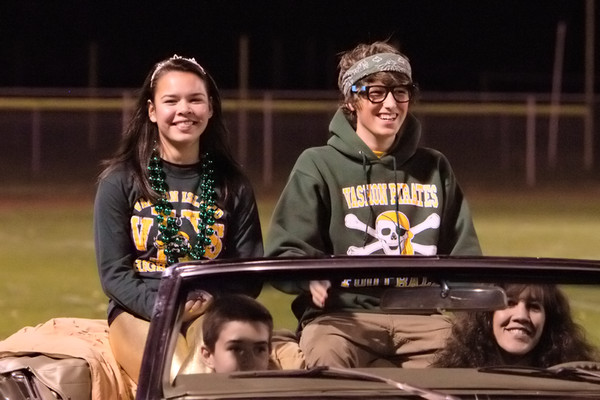 6230_VHS_Homecoming_Court_2010