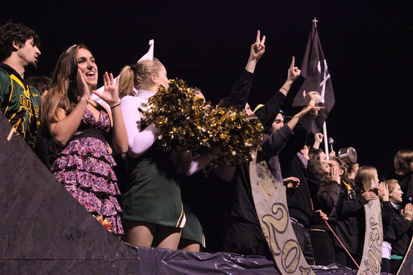 8603_VHS_Homecoming_Parade_2010