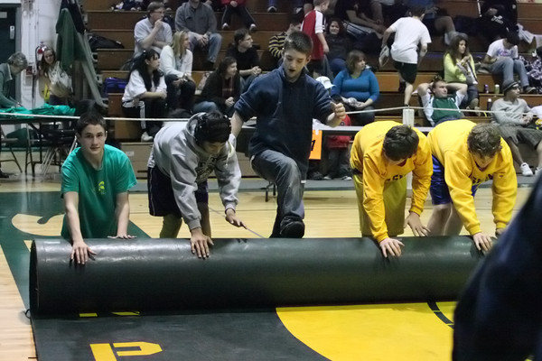 3699_Rock_Island_Wrestling_Tournament_122809