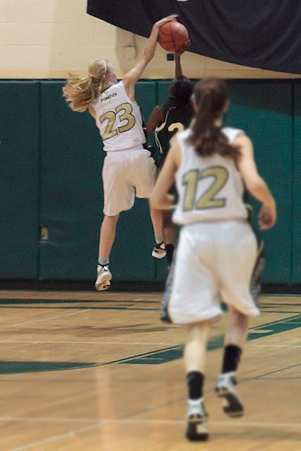 1800_Girls_Varsity_Basketball_v_ChasWright_020411