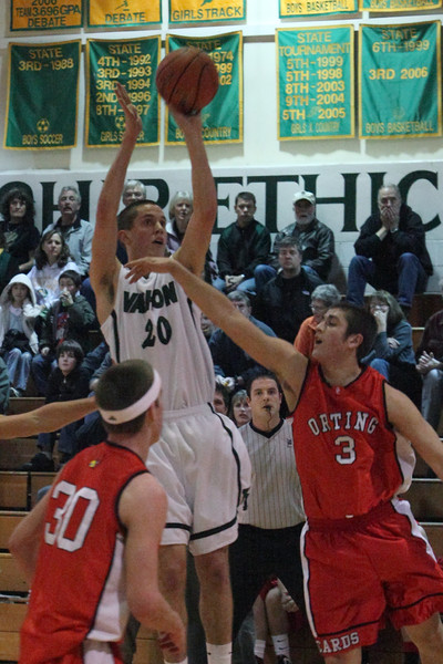 7936_Boys_Varsity_BBall_v_Orting_012910