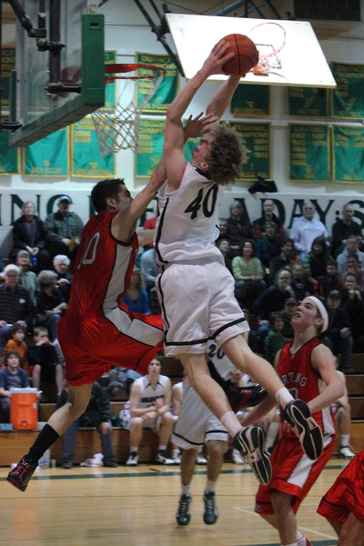 8137_Boys_Varsity_BBall_v_Orting_012910