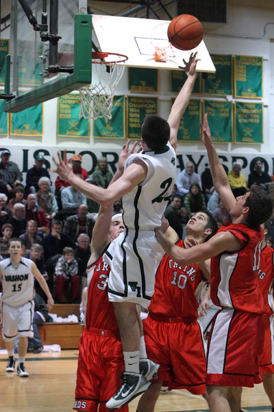 8396_Boys_Varsity_BBall_v_Orting_012910