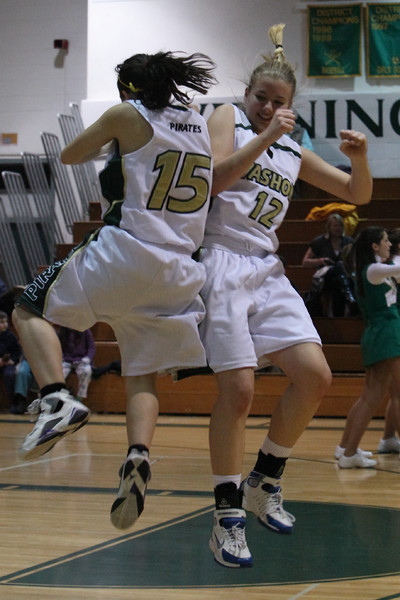8488_Girls_Varsity_BBall_v_Orting_012910