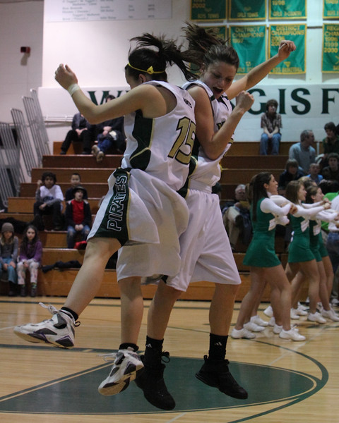 8504_Girls_Varsity_BBall_v_Orting_012910