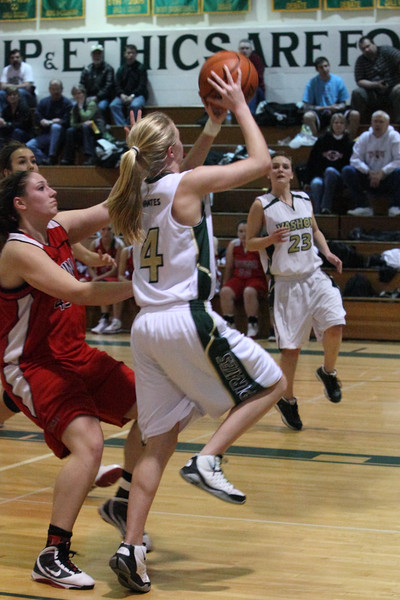 8789_Girls_Varsity_BBall_v_Orting_012910