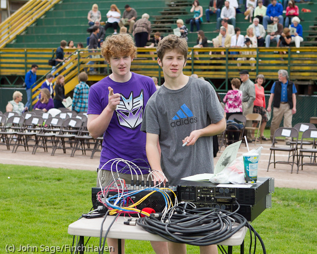 2430_VHS_Graduation_2011_061111