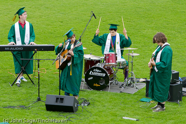 2992_VHS_Graduation_2011_061111