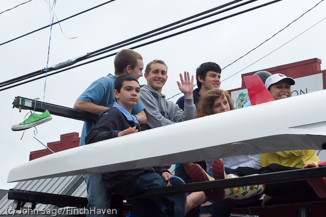 7577_VHS_at_the_Festival_Parade_2011