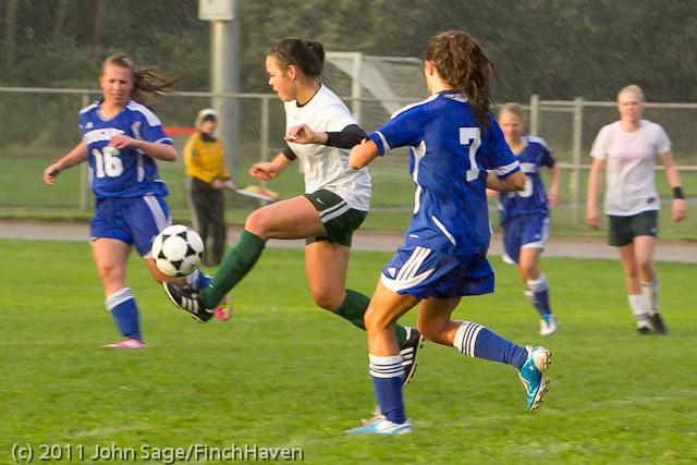 6730_Girls_Varsity_Soccer_v_Casc-Chr_101111