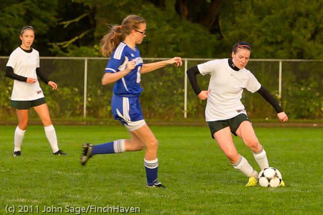 6987_Girls_Varsity_Soccer_v_Casc-Chr_101111