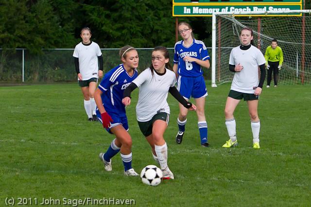 7236_Girls_Varsity_Soccer_v_Casc-Chr_101111