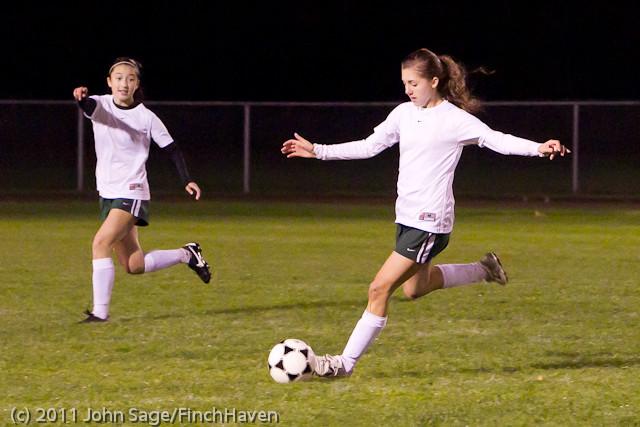 8463_Girls_Varsity_Soccer_v_Casc-Chr_101111