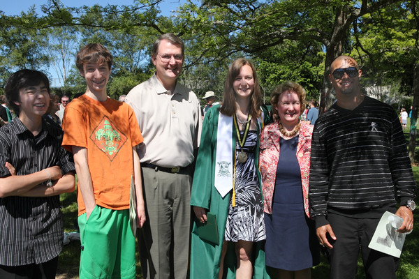 2789_VHS_Graduation_2010