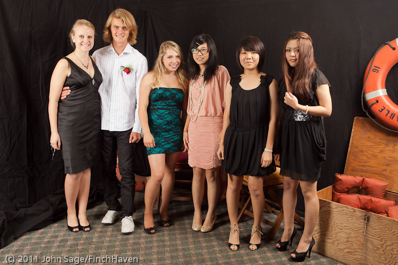 4691_VHS_Homecoming_Dance_2011_100111